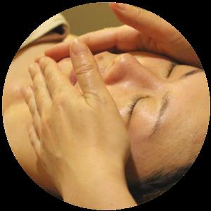 肌には本来、常に正常な状態を保つ働きと力が備わっている